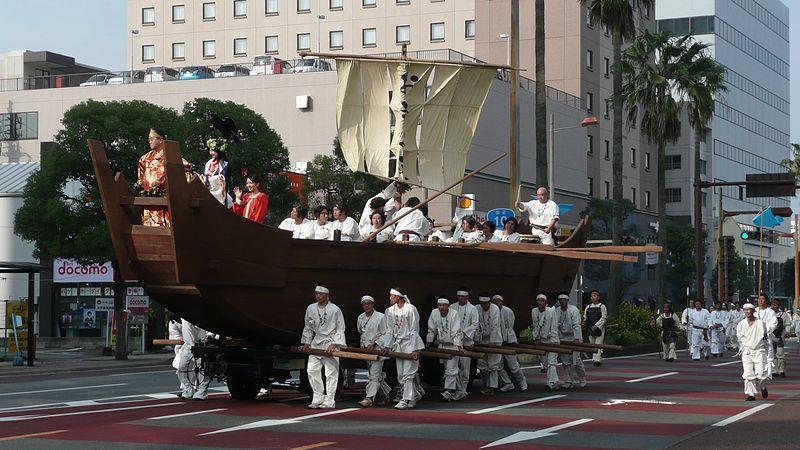 File:Miyazaki Shrine Grand Festival in 2008 Okiyomaru.jpg