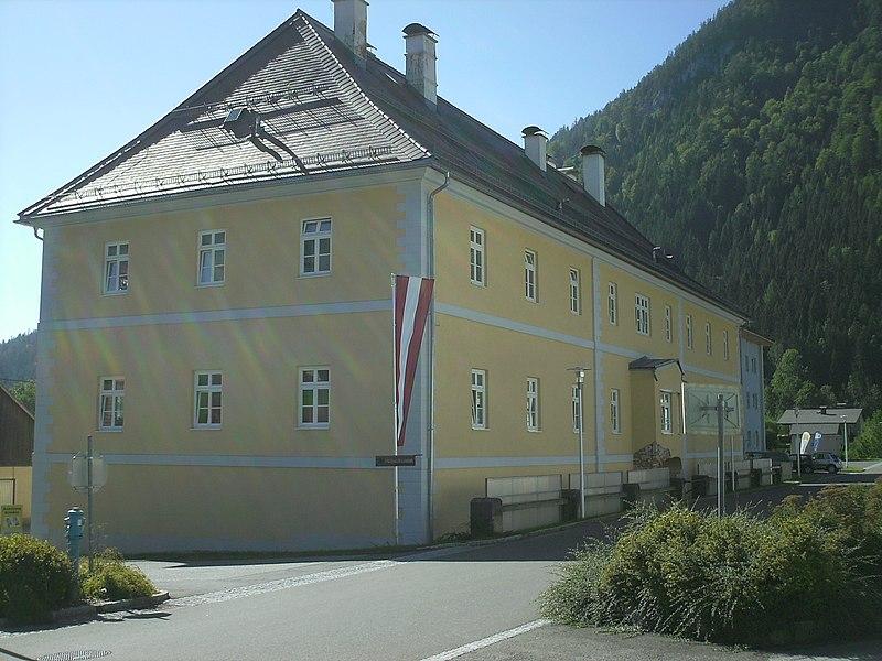 File:Montanmuseum Verweserhaus Gußwerk.JPG