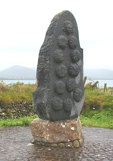 Monument at Dún an Óir to those massacred in the Siege of Smerwick, October 1580 (Wikipedia)