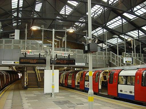 Morden tube station 3