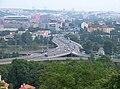 Most Barikádníků, z Květinářské uličky.jpg
