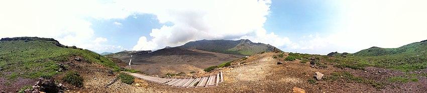פנורמה של 360° של סונה-סנרי-גא-ימה ולוע סמוך לפסגת נאקה