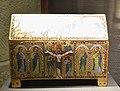 Museu Diocesán de Uesca, arqueta reliquiari, tallers de Llemotges.JPG