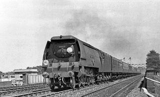 SR Merchant Navy class class of 30 three-cylinder 4-6-2 locomotives