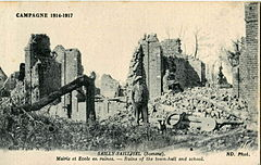 ND - CAMPAGNE 1914-1917 - SAILLY-SAILLISEL - Mairie et école en ruines.JPG