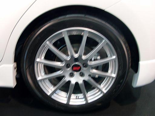 Nagoya Auto Trend 2011 (49) the tire wheel of Subaru TREZIA STI