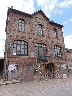 Nampcelles-la-Cour (Aisne) mairie.JPG