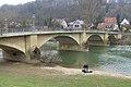 Neckar-Straßenbrücke in Neckartenzlingen.jpg