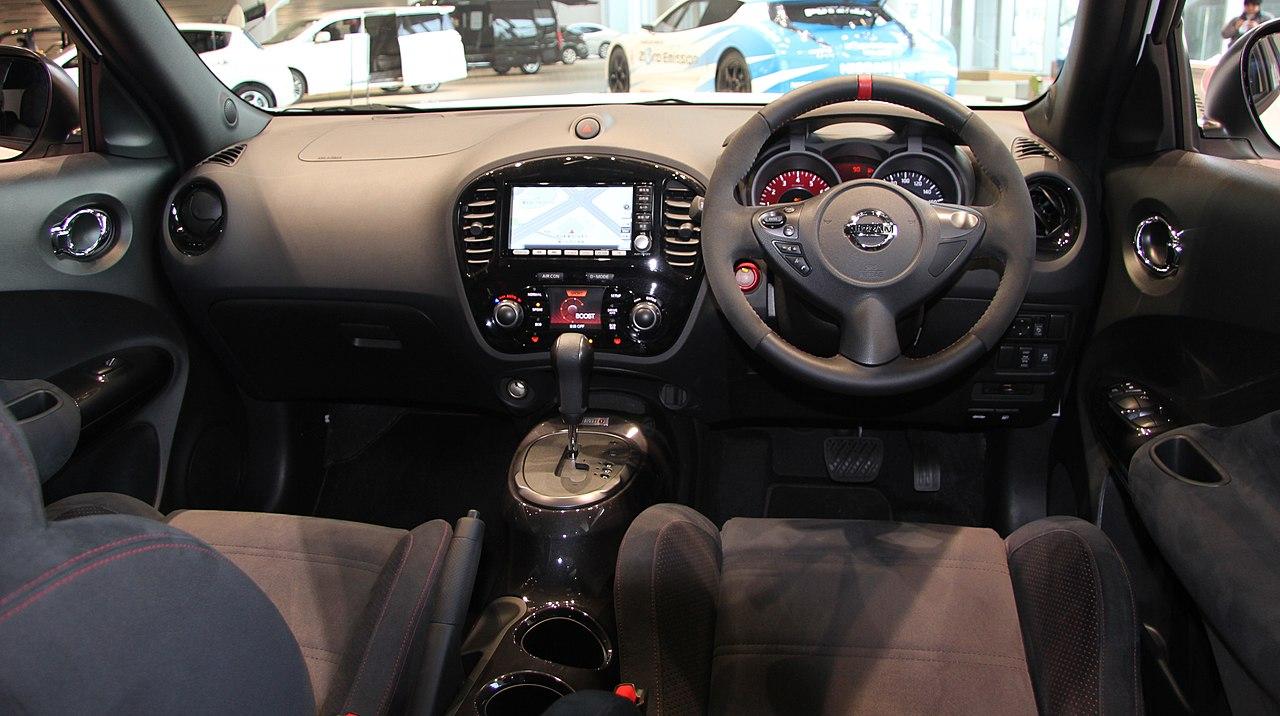 File:Nissan Juke Nismo interior.jpg - Wikimedia Commons
