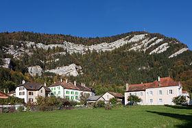 Dorf mit Clusette