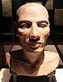 Nuovo regno, XVIII dinastia, testa virile, calcare dipinto, 01.JPG