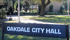 Oakdale, Louisiana - Entrance to Oakdale City Hall at 333 E. 6th Ave.