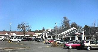 Oakhurst, California - Shopping center in Oakhurst
