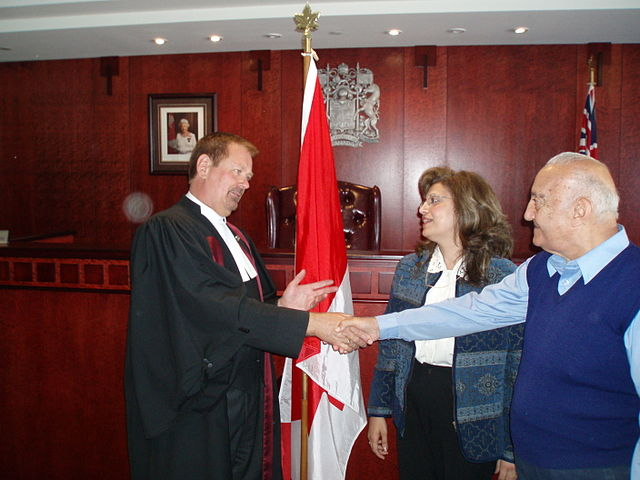 Citizenship Ceremony By CeciliaPang (Own work) [Public domain], via Wikimedia Commons