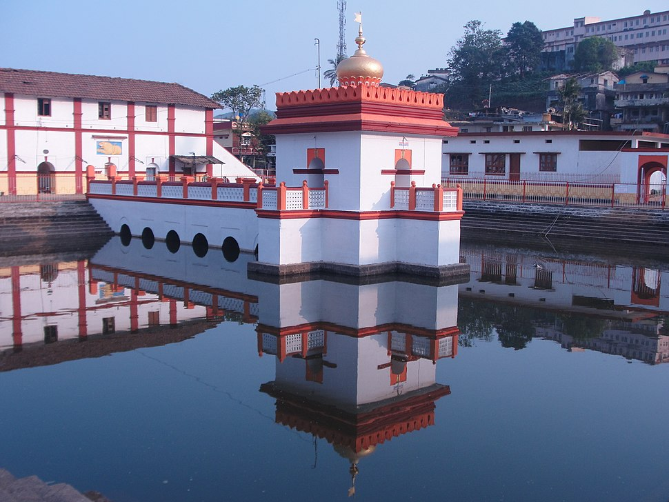 Onkareswara temple pond