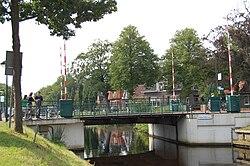 Opsterlandse-Compagnonsvaart Turfroute Oosterwolde Hoofdbrug.JPG