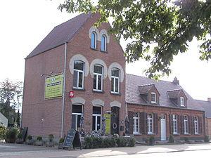 Grobbendonk - Image: Oud postkantoor