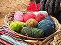 Ovillos de lana de alpaca en Chinchero, Cusco. (11357866594).jpg