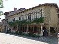 Pérouges - Maison Jean Escoffier - place de la Halle (2-2014) (2014-06-25 13.56.50.jpg