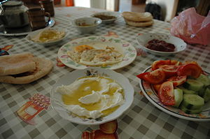 Palestinian cuisine - Palestinian breakfast and labneh.