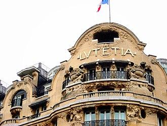 Hôtel Lutetia - Image: Paris 75006 Hôtel Lutetia facade balconies 20080104 (01)