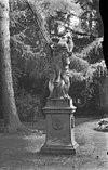 parkbos, beeld van pluto die persephone ontvoert - breukelen - 20041951 - rce