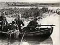 Patrouille per boot op de Dnjepr (2949414344).jpg