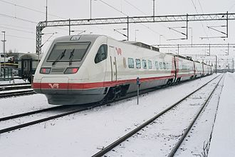 VR Class Sm3 - An Sm3 unit at Oulu in the series' original red/white livery.