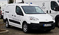 Peugeot Partner Kastenwagen e-HDi FAP 90 Avantage + (II, Facelift) – Frontansicht, 11. Februar 2013, Düsseldorf.jpg