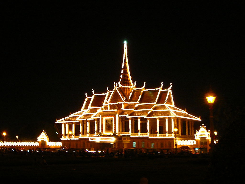 Phnom Penh Royal Palace by Night