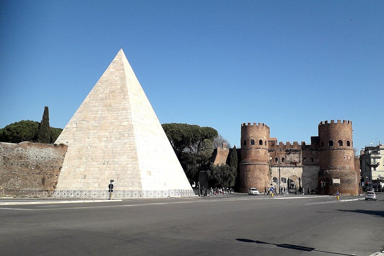 Piazzale Ostiense Piramide porta san Paolo.jpg