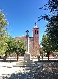 Plaza de la Cruz, Las Ventas con Peña Aguilera.jpg