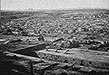 Pohled na hlavní město Kairo s pyramidami v pozadí (před 1882).jpg