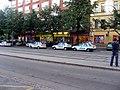 Policejní auta před Flédou.jpg