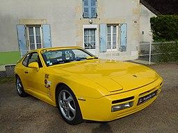 Porsche 944 Turbo, yellow