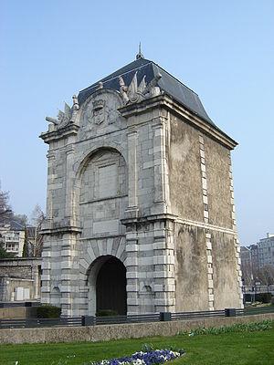 Porte de France Grenoble.JPG