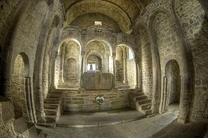 Santa Cristina de Lena - Image: Prerrománico Santa Crsitina de Lena 4