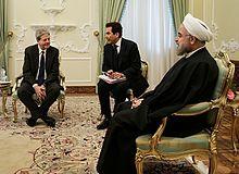 Il ministro Gentiloni con il presidente iraniano Hassan Rouhani