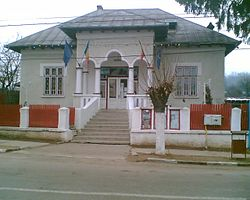 Primăria - Brăneşti, Dâmboviţa.jpg