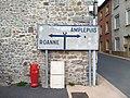 Régny - Panneau direction Roanne ou Amplepuis.jpg