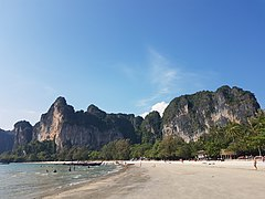 Railay Beach 20042017.jpg