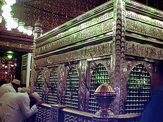 Al-Hussein Mosque - The Zarih of Husayn's Head, in the mausoleum.
