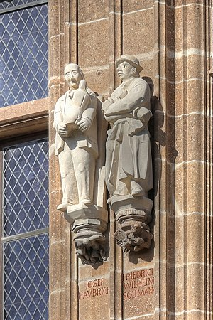 Wilhelm Sollmann - Right: Statue of Wilhelm Sollmann at the city hall tower of Cologne, Germany