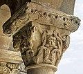 Rebolledo de la Torre - capitel románico en el pórtico de la Iglesia de San Julián y Santa Basilisa.jpg