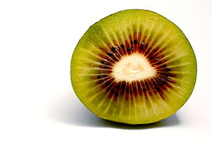 "English: A ""red"" Kiwi fruit Deutsch:..."