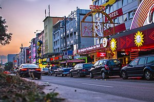Red-light district - Image: Reeperbahn at dawn