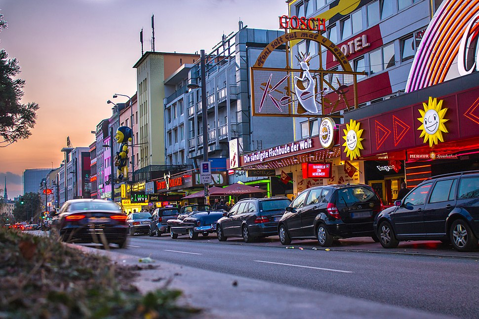 Reeperbahn at dawn