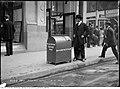 Refuse box - King and Yonge streets (40141778625).jpg