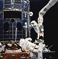Repair-hubble-3-shuttle-closeup.jpg