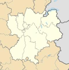 """Mapa konturowa Rodanu-Alp, po prawej nieco u góry znajduje się punkt z opisem """"Tremplin aux Bossons"""""""